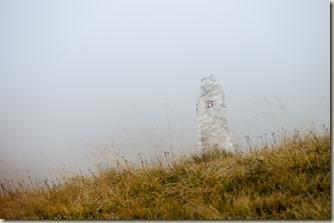 Aufstieg zum Schlern über dem Schäufelesteig bei Nebel